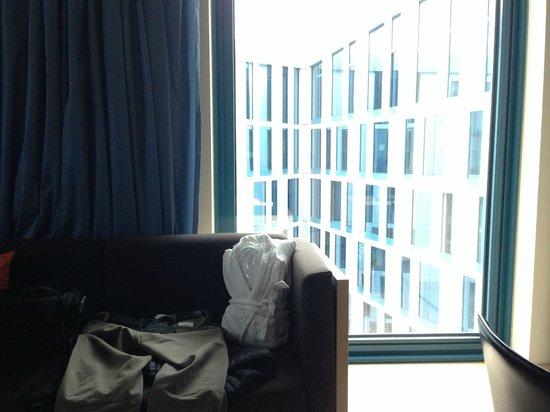 Scandic Hamburg Emporio: Vue de la chambre 601