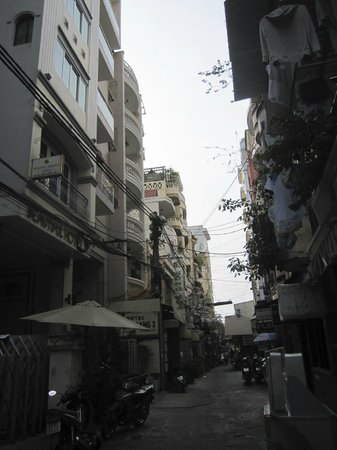 Beautiful Saigon Hotel 2: 路地