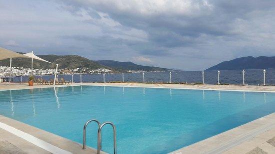 Hotel Mavi Kumsal: Havuz