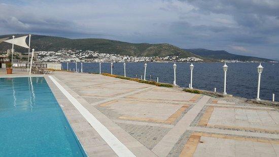 Hotel Mavi Kumsal: Yaz geliyoo deniz cok guzel