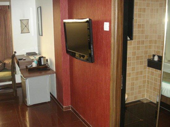 Tunga Paradise Hotel: Useful appliances at hand