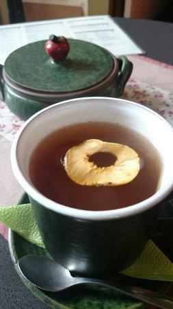 U Zeleneho Caje: Apple tea