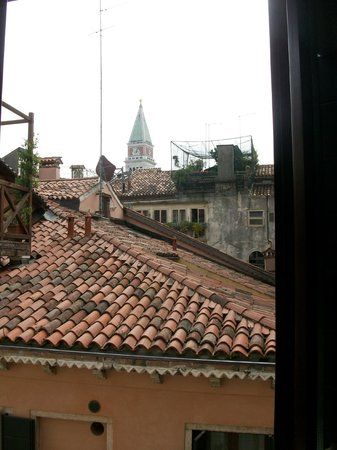 Antica Locanda al Gambero : View of St Mark's Basilica Bell Tower from our room