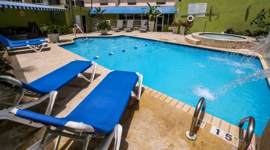 Holiday Inn Express San Juan Condado: Pool
