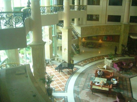 Le Royal Meridien Chennai: a view from my room to lobby