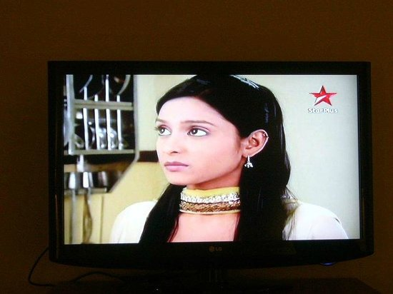 Le Royal Meridien Chennai : TV in room