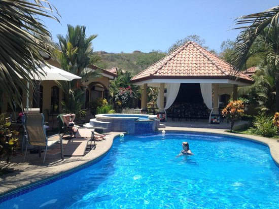 Las Brisas Resort and Villas : The beautiful Pool area