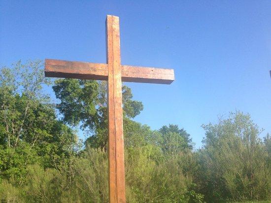Fellowship Church: Cross