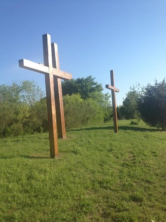 Fellowship Church: Cross algined