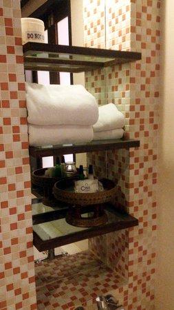 Pattaya Loft Hotel : Bathroom