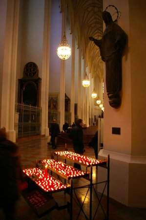 St. Michael: Nave da Igreja