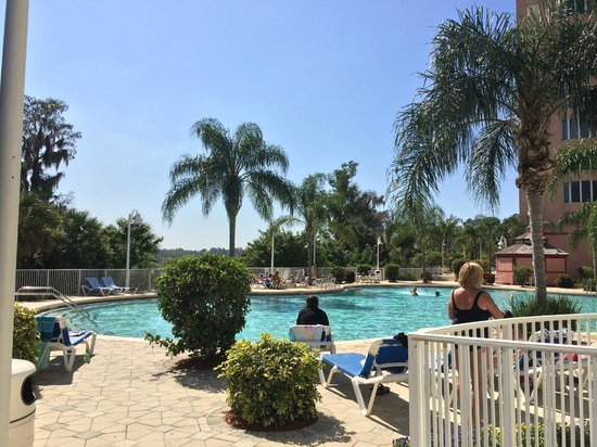 Blue Heron Beach Resort: Great pool area