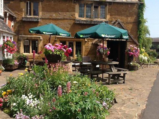 The College Arms: A Summers Day