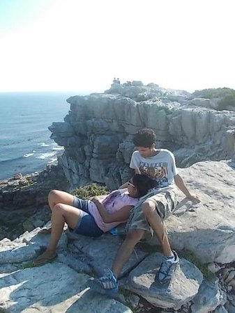 Baz Bus - Day Tours : Baking in the sun @ Cape of Good Hope where Two Oceans Meet