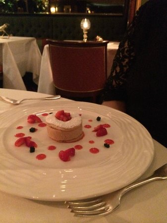 Le Gavroche : Shortbread and Pimms Mousse