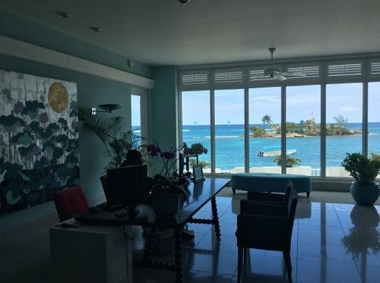 Couples Tower Isle : view from Guest Sevices in lobby