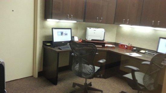 Hilton Garden Inn Fargo : Business Center