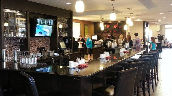 Hilton Garden Inn Fargo: Bar/Breakfast area