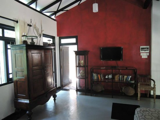 Indika's House & Tours: Second floor common area