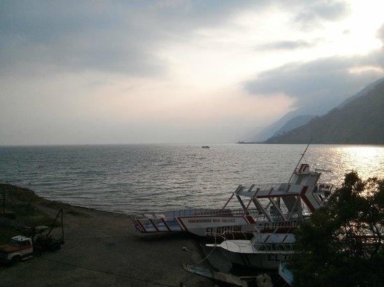 Tzanjuyu Bay Hotel : Vista al lago