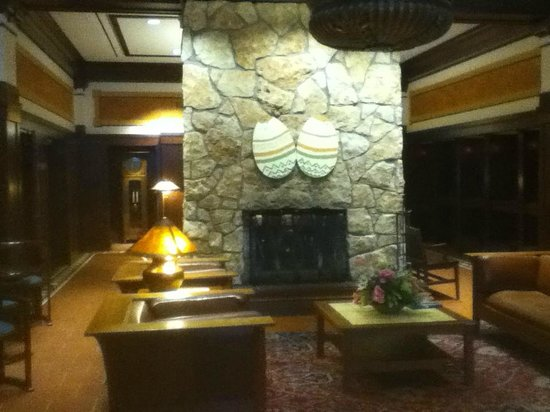 Hotel Pattee: Main Entrance