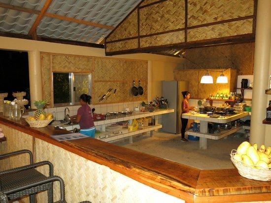 Chindonan Dive Resort : Open Kitchen