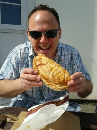 Philp's Famous Pasties: They really are that big!