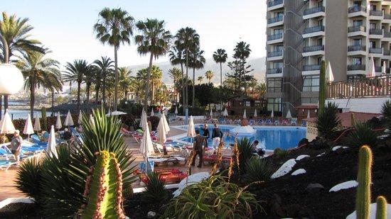 Sol Tenerife: Piscina ed hotel su Playa de Las Americas
