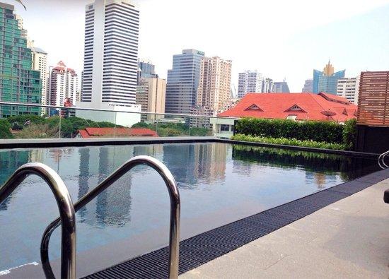 U Sukhumvit Bangkok : swimming pool