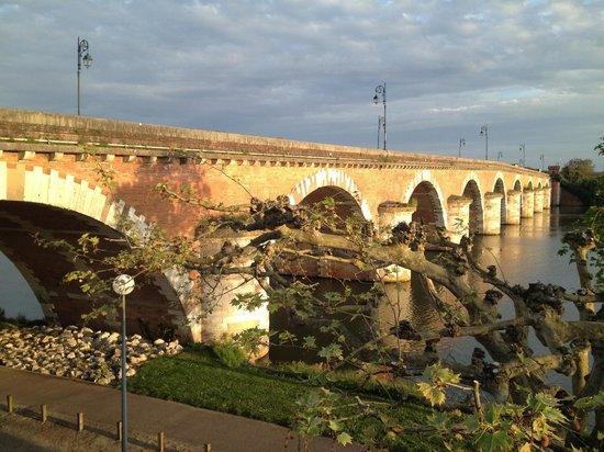 Hotel Restaurant du Pont Napoleon : vue sur pont Napoléon