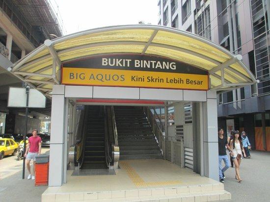 PARKROYAL Kuala Lumpur: Station de Monorail , proche de l ' hotel