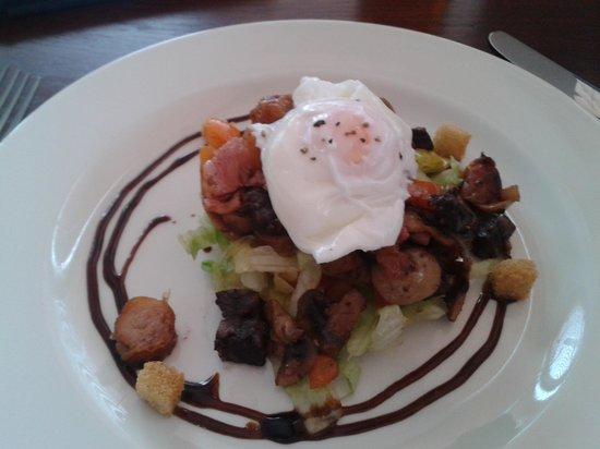Bar 1 And Restaurant: Warm breakfast salad. A beauty.