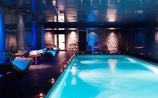 Suites Albany and Spa : hotel indoor pool