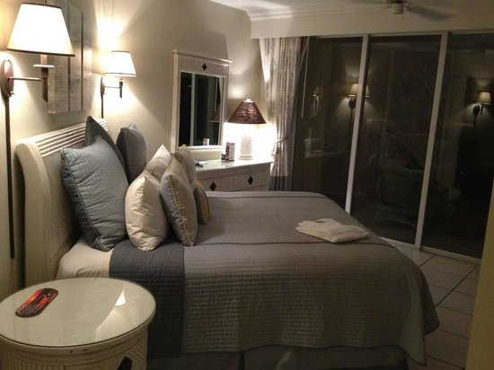 The Sands at Grace Bay: Bedroom (2 Bedroom Suite)