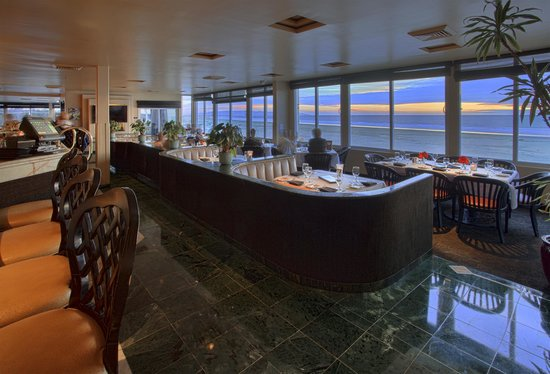 SeaVenture Restaurant : Main Dining Room