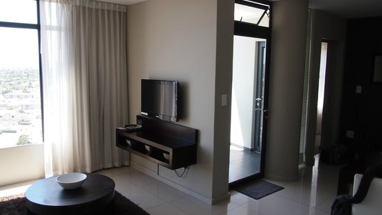 Aquarius Luxury Suites: Living Room