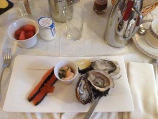 Domaine de Rochevilaine : Huîtres et crevettes au petit déj   ...délicieuses