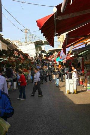 InterContinental David Tel Aviv: Carmel Market steps away from the hotel