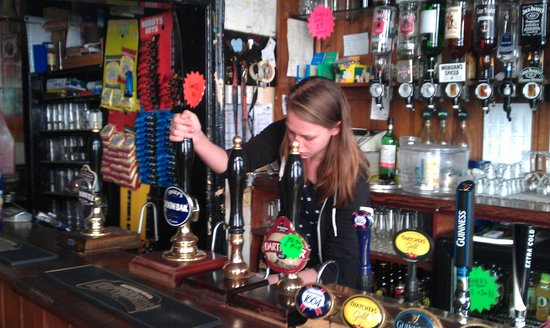 Nowhere Inn: Delightful bar staff
