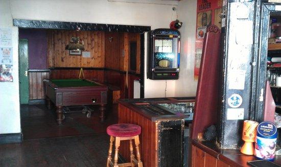 Nowhere Inn: Pool at the back