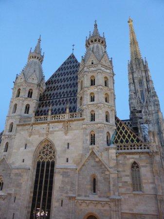 Hotel Am Stephansplatz: Blick auf den Dom vom Zimmer aus