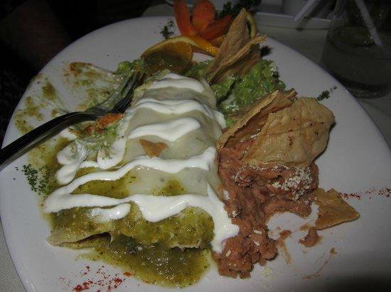 Embarcadero Mariscos Seafood: Green Chicken Enchilada