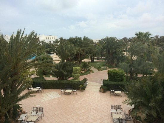Vincci Resort Djerba : Vue sur la piscine depuis la chambre
