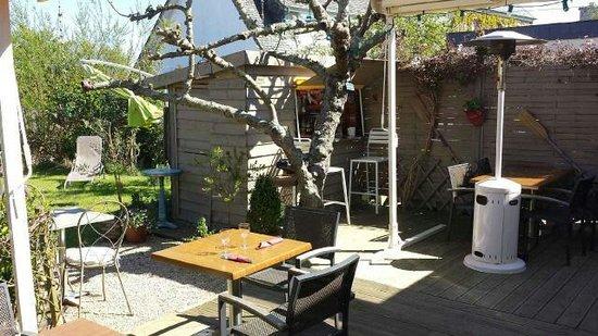 L'Hermine Blanche : Terrasse jardin