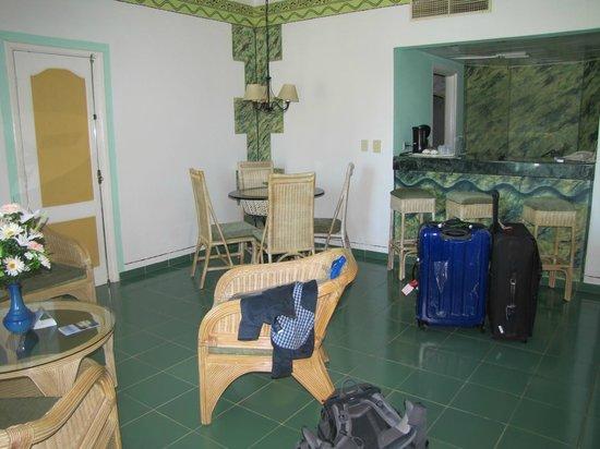 Hotel Playa Costa Verde: Wohn- /Essbereich