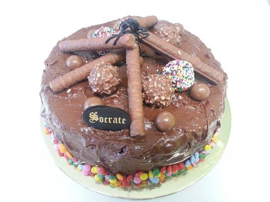 Socrate : no words can explain this super delicious nuetlla cake