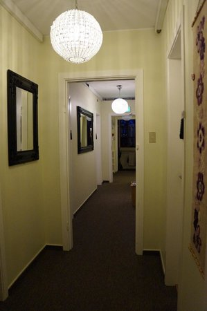 Igdlo Guesthouse: Gästehausflur