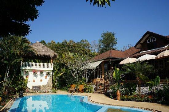 Homestay-Chiang Rai: Garden