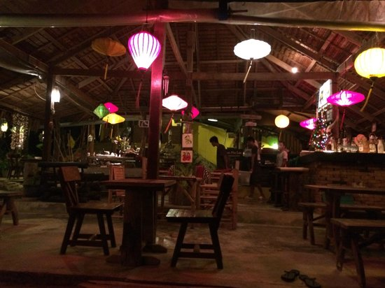 Baan Phu Lae : restaurant / bar