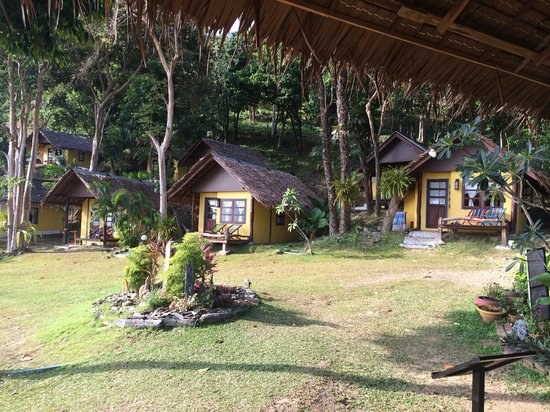 Baan Phu Lae: The Bungalows at the front